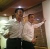 ⑤福井県障害者総合相談所芝課長と志賀さんの交流.jpg